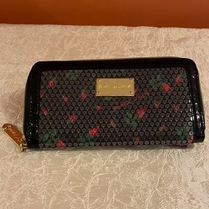Betsey Johnson Sequin Rose Wallet EUC